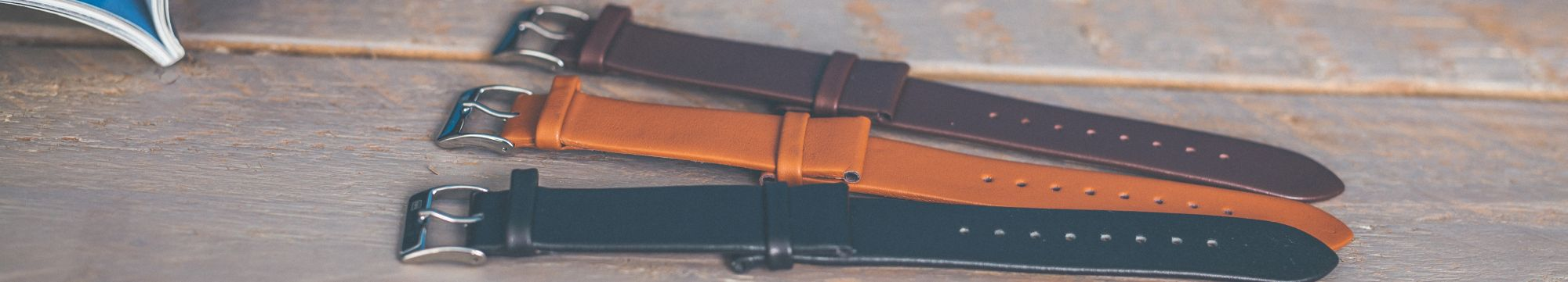 marc-brug-interchangable-straps-for-slim-and-simple-watches